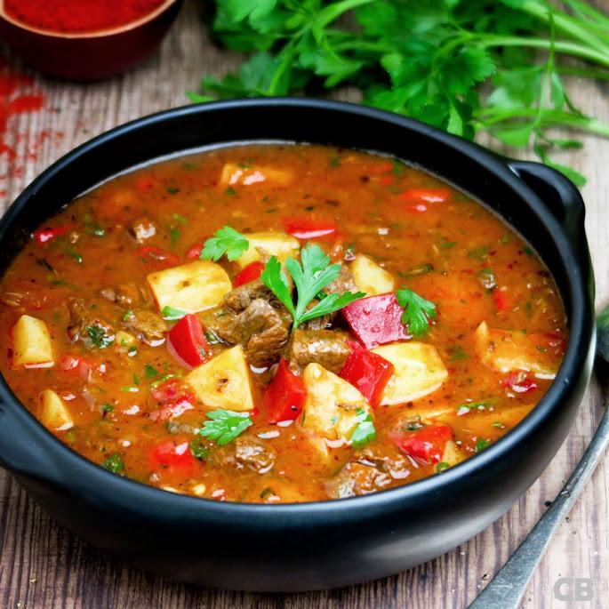 Recept Pittige goulashsoep: de herfst in een soepkom!