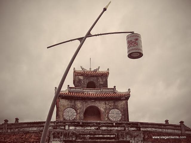 Visões externas da cidadela de Hue