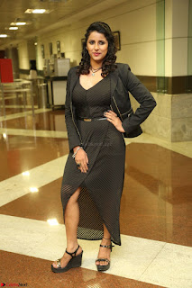 Shravya Reddy in Deep Neck Leg Split Black Gown at Rogue Movie Teaser Launch 1st March 2017 050.JPG