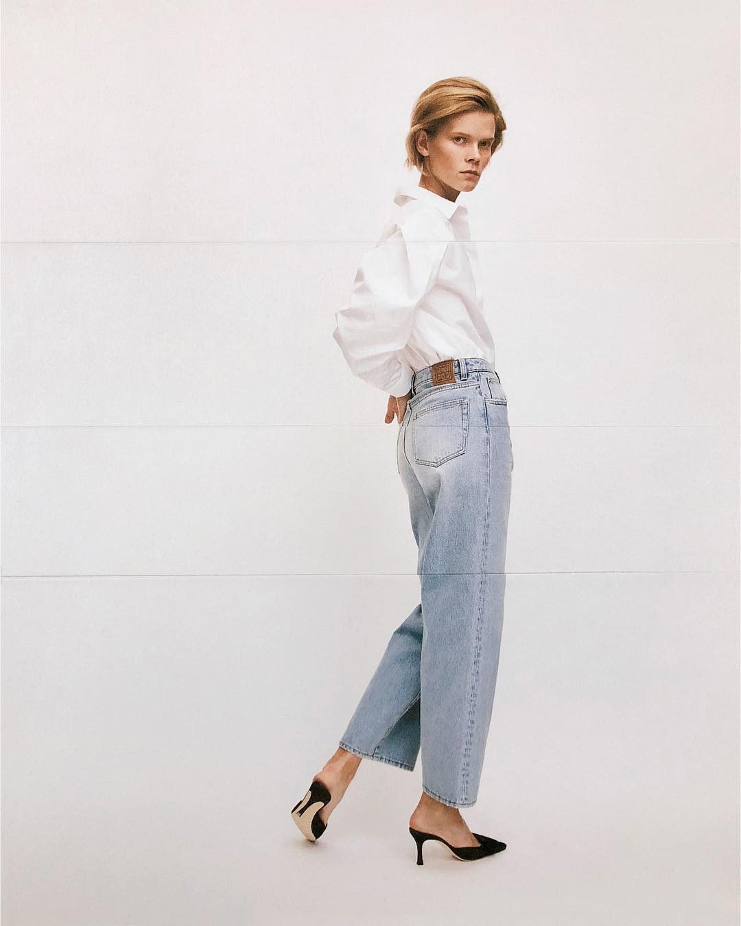 Simple Chic Fall Look Idea—White, Shirt, Jeans, Mule Heels