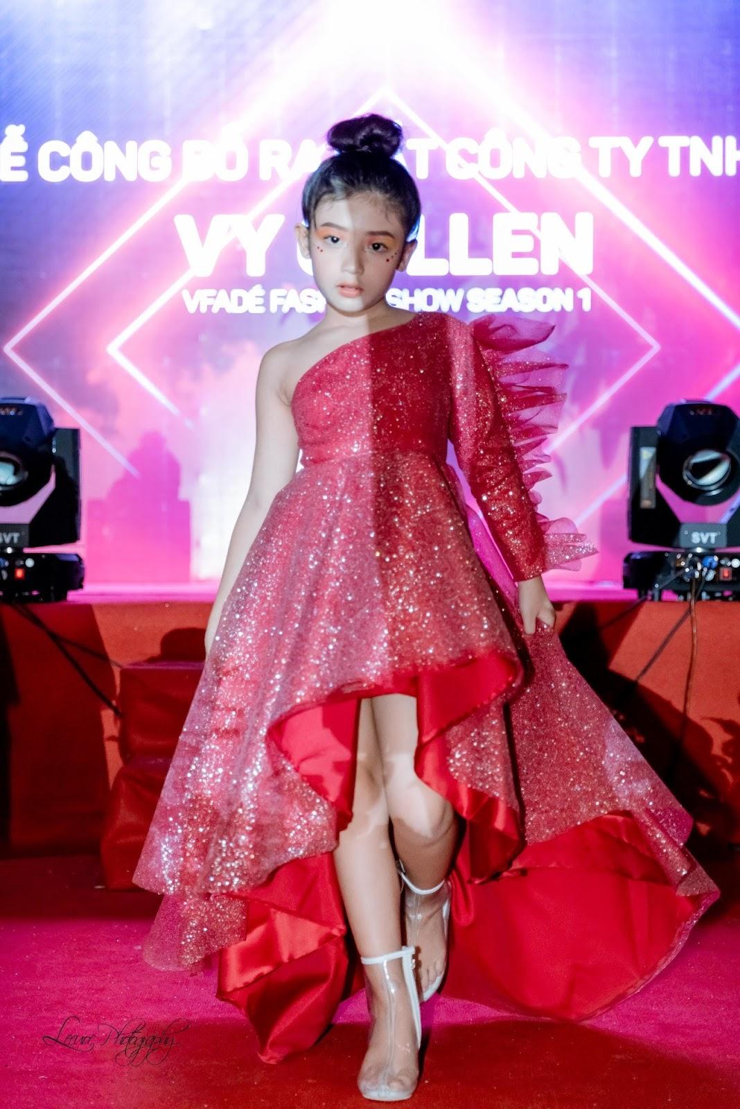 Nhà thiết kế Vy Collen: Khởi đầu nào cũng gian nan - Vfadé Fashion Show