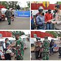 TNI-Polri Bagikan Bansos PPKM di Toraja Utara