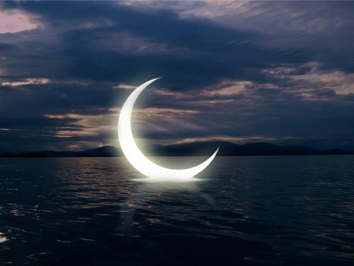 Обряды на растущую Луну для привлечения денег и удачи