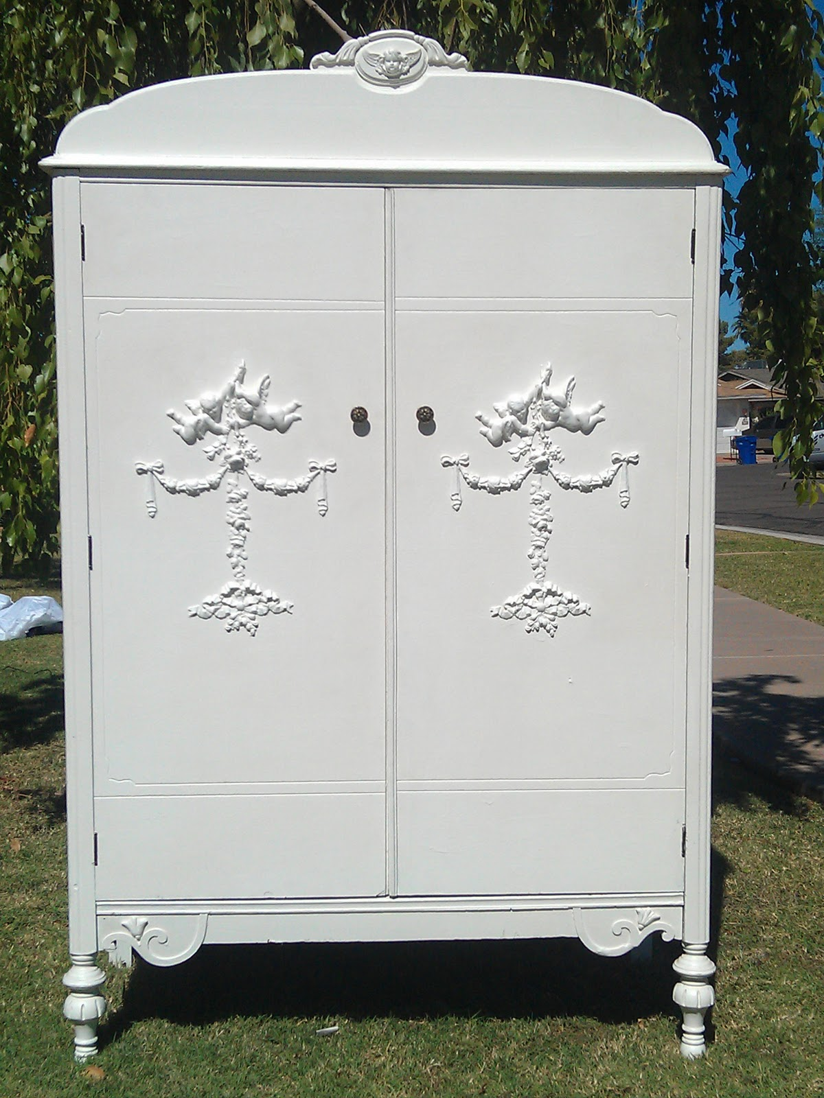 Shabby Rose Decor: Vintage Shabby Chic Clothing Armoire