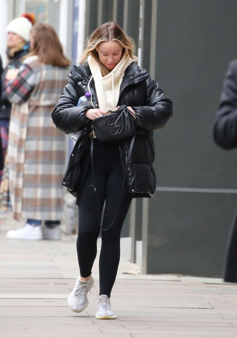 Lauren Pope Clicked Outside for Christmas Shopping in London 12 Dec-2020