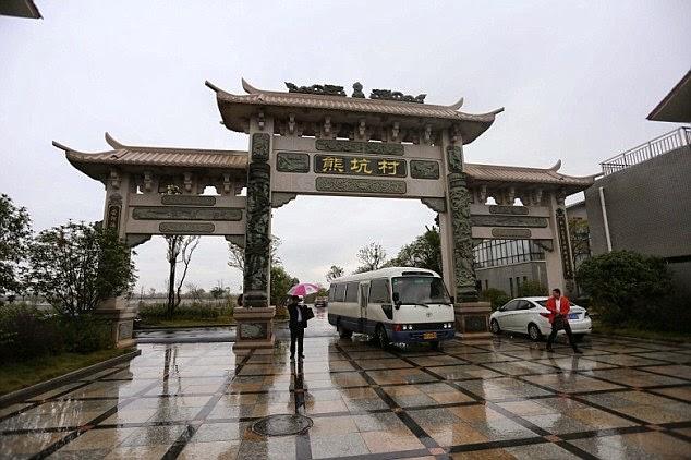miliardario cinese fa beneficenza