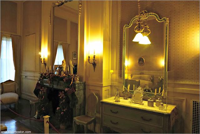 Dormitorio de la Condesa Szechenyi en la Mansión The Breakers, Newport
