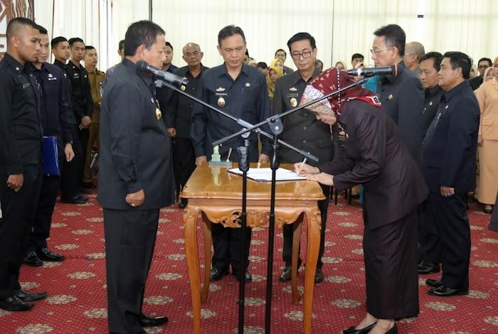 Wujudkan Kualitas Birokrasi yang Profesional, Gubernur Arinal Lantik 11 Pejabat Pimpinan Tinggi Pratama