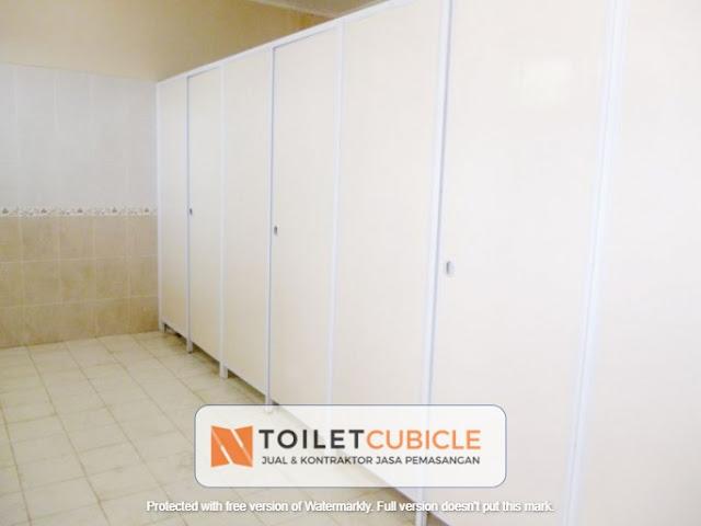 toilet cubicle masjid Jakarta Utara