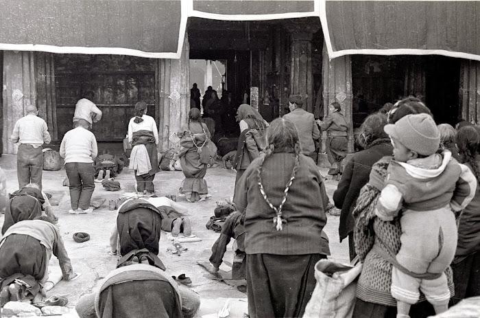 Tibet, Lhassa, Jokhang, © L. Gigout, 1990