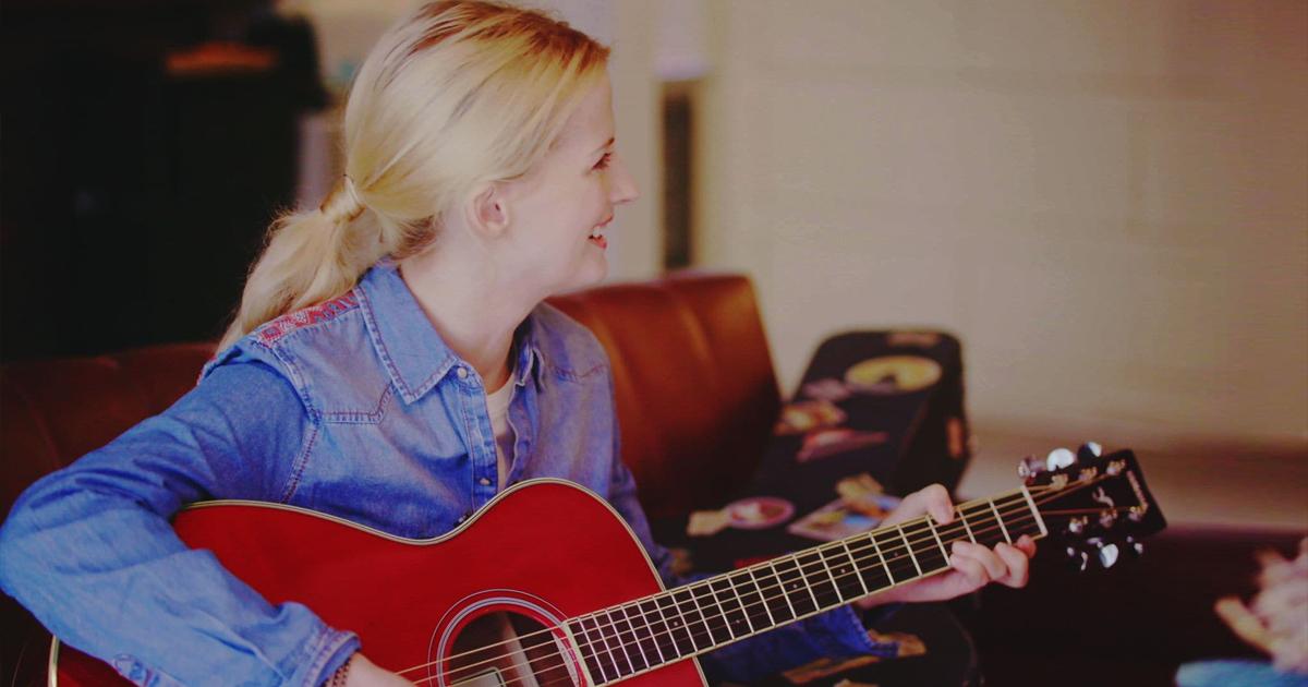 Cách đánh đàn guitar đơn giản nhất cho người mới học