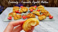 http://natomamochote.blogspot.com/2018/07/croissants-domowe-maslane-rogaliki.html