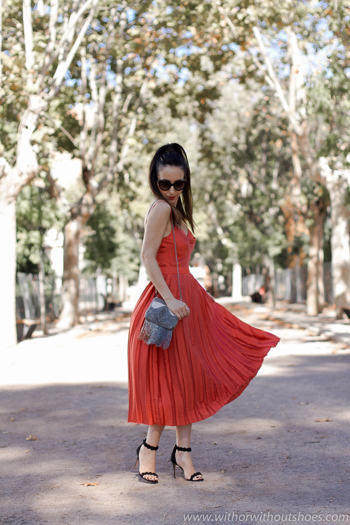 Blogger influencer con ideas de look para vestir en un fiesta boda bautizo
