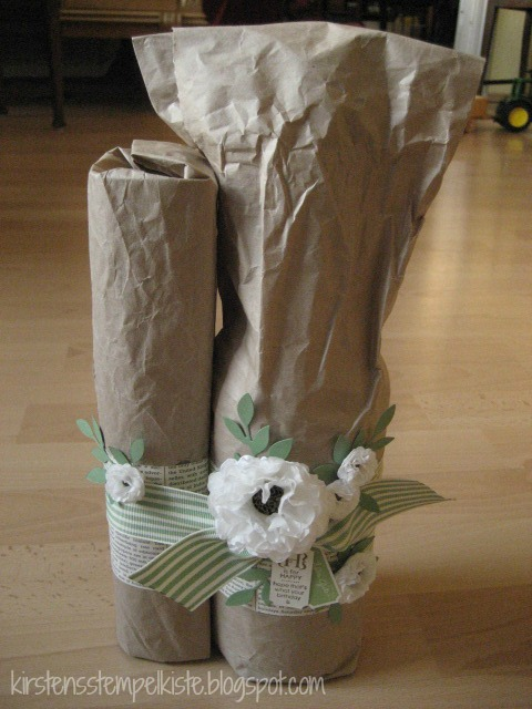 kirsten stempelkiste flasche als geschenk aufgeh bscht. Black Bedroom Furniture Sets. Home Design Ideas