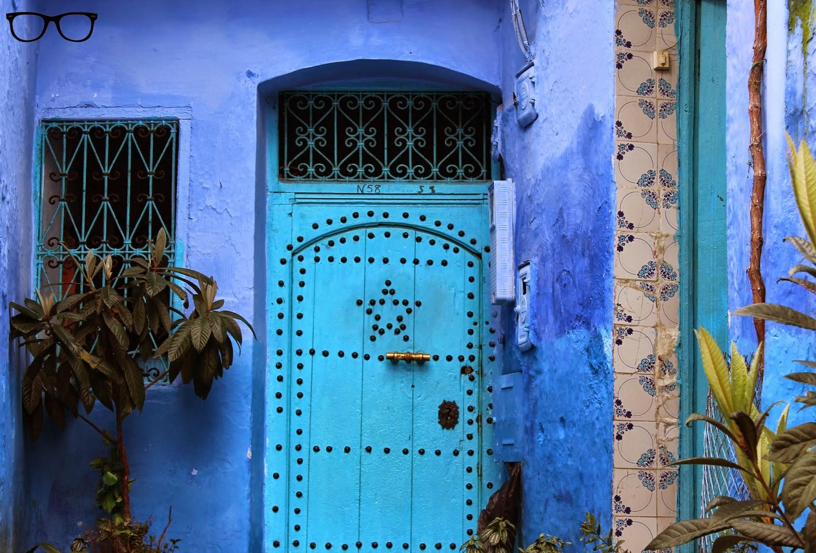 Puerta con estrella azul