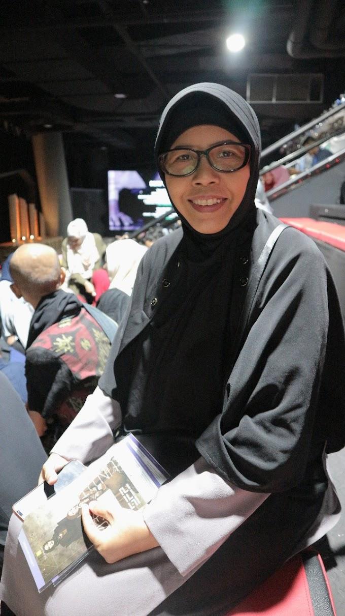 YUNIAR  DJAFAR, Blogger LOLITA ( Lolos Lima puluh Tahun) Dari Surabaya