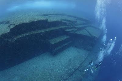 Yonaguni Monument Japan - Underwater Archaeology