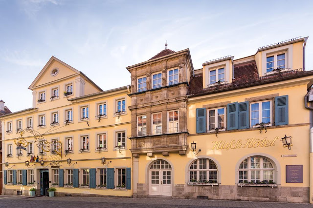 https://www.booking.com/hotel/de/goldener-hirsch-rothenburg.en.html?aid=960979&no_rooms=1&group_adults=1