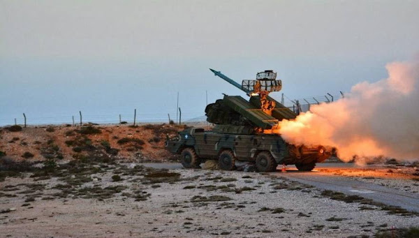 Ένα βίντεο που διχάζει, άν και εγκλωβισμένο το τουρκικό μαχητικό (F-4)ελληνικά αντιαεροπορικά, περνά σχεδόν επάνω απο αυτό,γνωρίζουν οτι δεν θα καταρριφθούν!