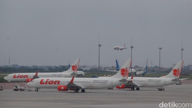 Harris Arthur membantah ada tiket pesawat Lion Air yang mencapai Rp 100 ribu,