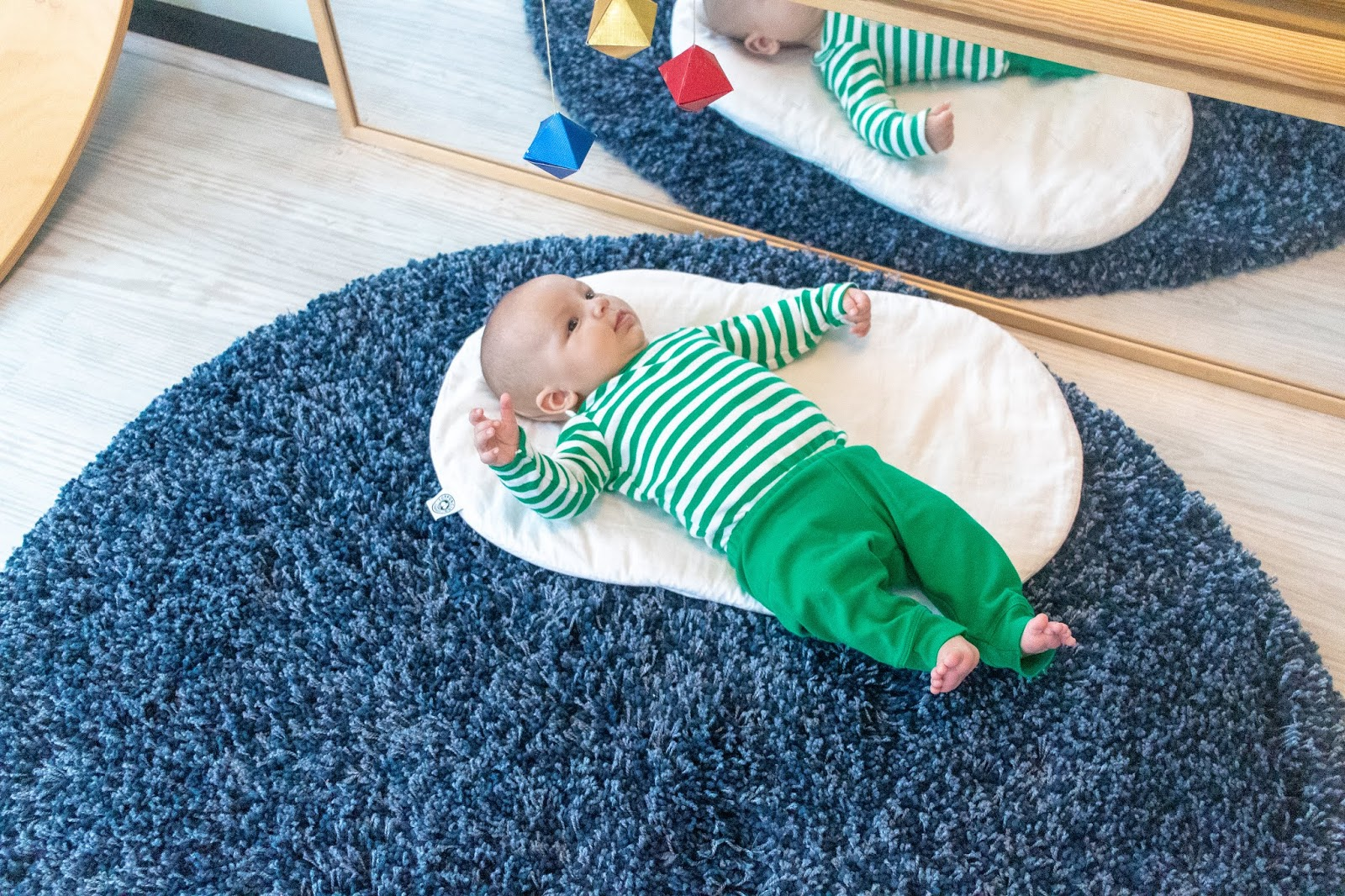 Notes on observing a newborn - practical tips for observing a baby from a Montessori perspective