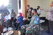 Danrem 162/WB Duduk Bersama Ketua DPRD Prov NTB Mendengarkan Aspirasi Perwakilan Demonstran
