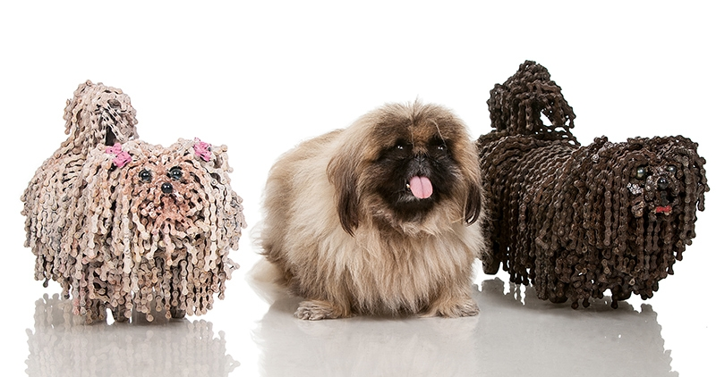 02-Brown-Tosha-White-Tosha-Nirit-Levav-Recycled-Bicycle-Parts-used-for-Unchained-Dog-Sculptures-www-designstack-co