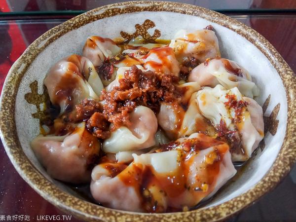 台中太平素知初|素食便當、紅燒麵、臭豆腐冬粉,太平農會旁