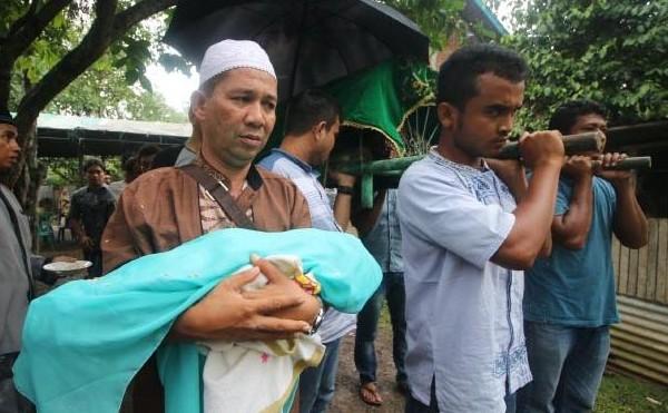 Terkatung-katung Di RSIA Dan Meninggal Saat Melahirkan, Ibu dan Anak Dikubur Satu Liang