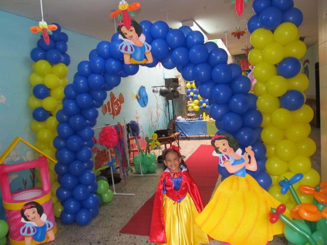 Decoracion princesa disney blanca nieves fiestas - Fiestas infantiles princesas disney ...