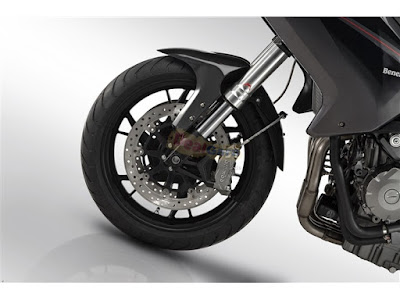 Benelli TNT 600 GT front tyre