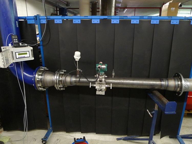 Montaje de tubo pitot en un laboratorio