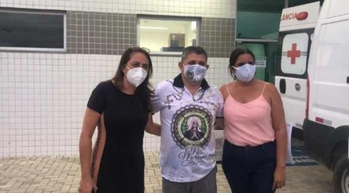 Prefeito Joelson, de Calumbi, deixa Hospital Eduardo Campos