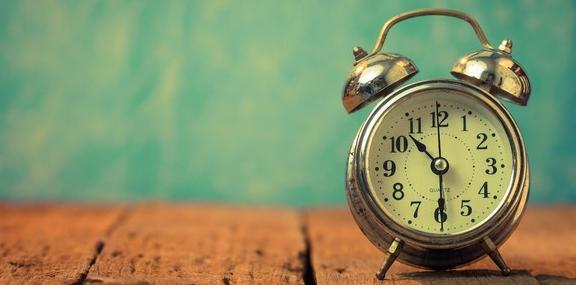 Penjelasan dan Sejarah Kenapa 1 Menit 60 detik