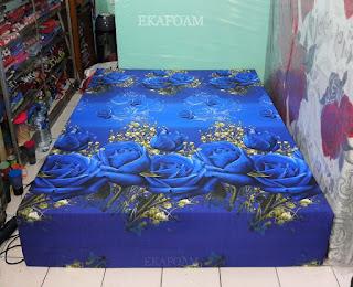 Kasur inoac motif bunga tulip biru