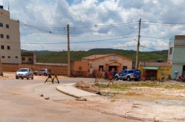 Jovem de 23 anos morre após ser alvejado dentro de bar em Barra da Estiva