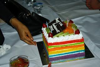 Sudut Kacamata Okky Ultah Ke 5 Dengan Rainbow Cake