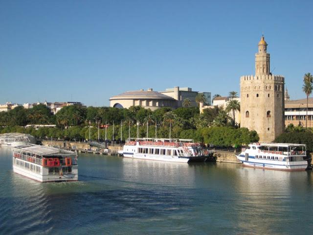 Passeios de barco no Rio Guadalquivir
