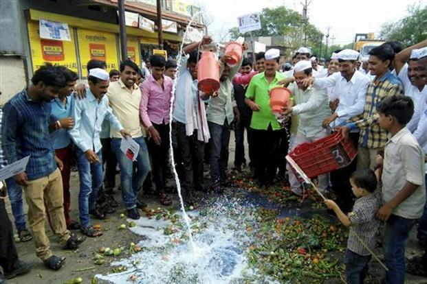farmers protests, farmers agitation, farm loan waiver, maharashtra, madhya pradesh, farmers agitation, farmers strike, MSP, agriculture,