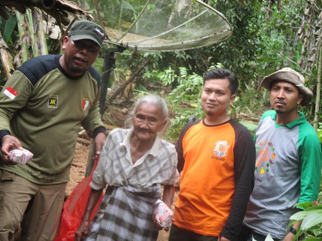 Luar Biasa ! PKS Pandeglang Respon Cepat Banjir di Carita