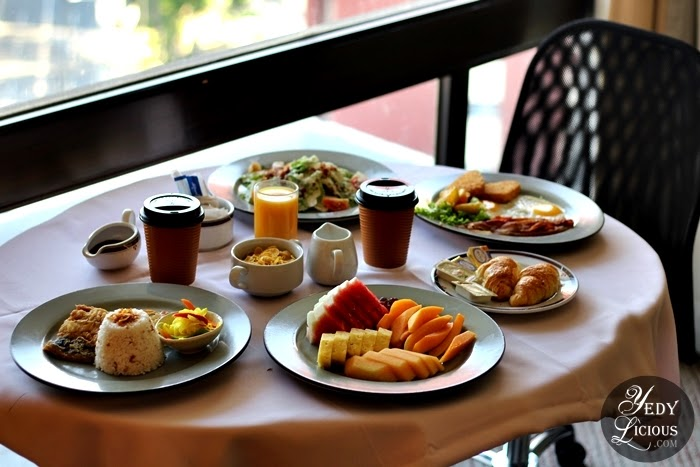 Hotel Jen Manila Review, Hotel Jen Manila Room Rates Promo, Why I Love Staying at Hotel Jen Manila by Shangri-La, Hotel Jen Manila Blog Review, Best Hotels in Manila Blog Review, Where To Stay in Manila, Best Staycation Blog in Manila, YedyLicious Manila Food and Travel Blog, Hotel Jen Manila Latitude Buffet Rate, Club Lounge, Windows by the Bay, Coffee.com, Kitsho Japanese Restaurant, Website Promo Facebook Instagram Twitter Top Best Blog in Manila Philippines YedyLicious Mainla Food Blog