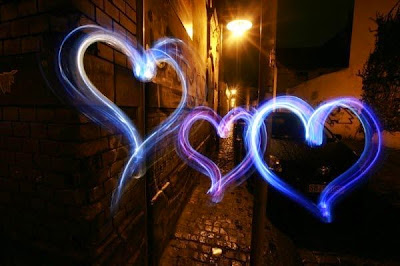graffiti light de corazones