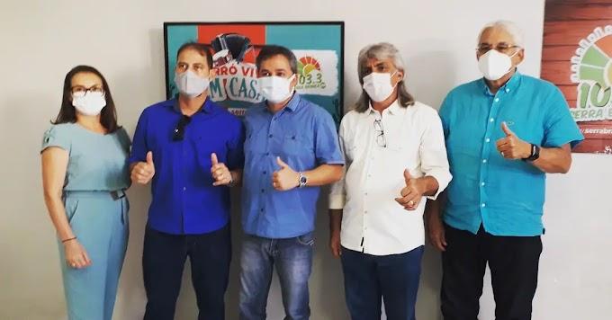 Prefeito Inácio Nóbrega e o vice-prefeito Cícero Maciel participaram de comitiva que recepcionou o deputado Efraim Filho ao cariri