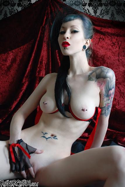 Razor Candi topless