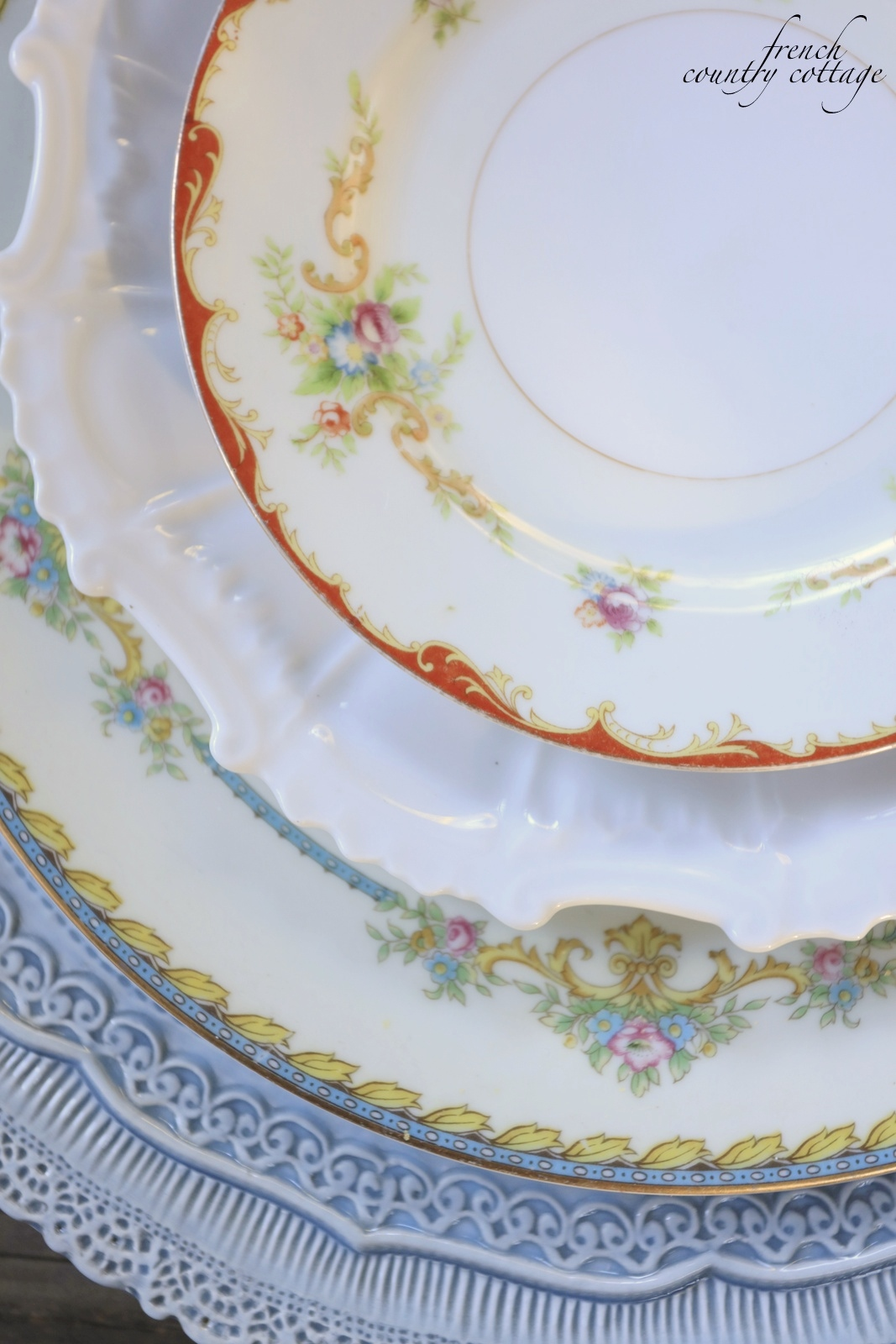 Vintage plates layered on table & Mix u0026 Mingle~ Vintage place settings - FRENCH COUNTRY COTTAGE