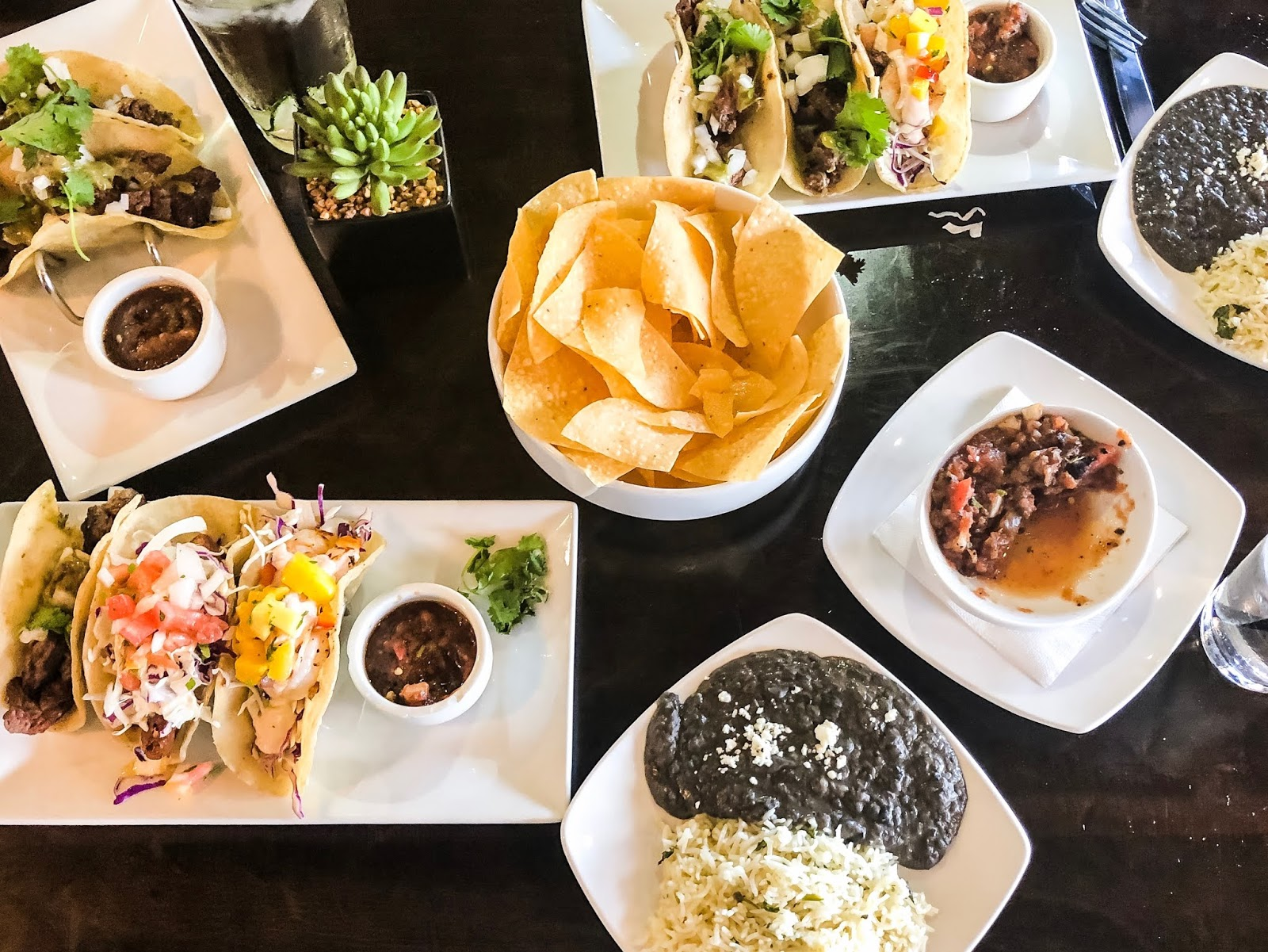 Best Places to Eat in Arizona, Phoenix, Glendale, Taco Places, Urban Margarita, Lunch Spread, Plated Tacos, Taco Spread