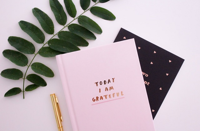 pink journal with i am grateful text