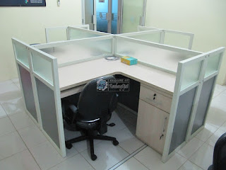 Cubicle Workstation Table