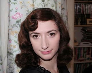 How to make pin curls with a dolly peg 1940's hair tutorial Easy and Cheap pin curl tool