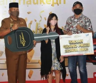 Nasabah Bank Riau Kepri, Terima Hadiah Mobil dari Pjs Wako Batam